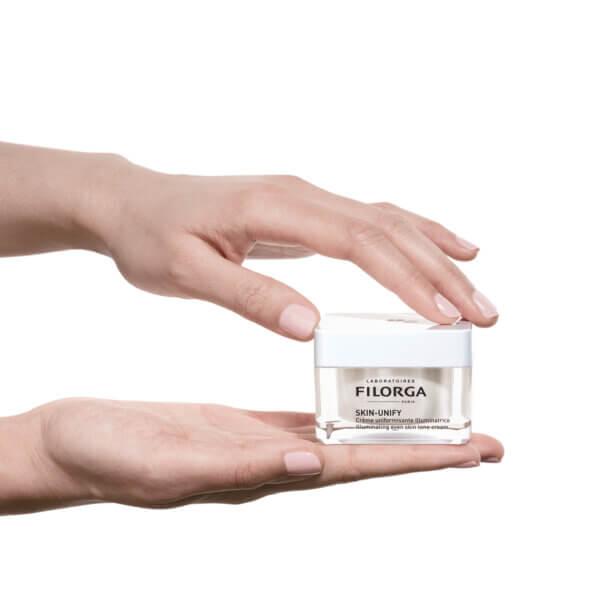 Filorga - RESIZE-GESTUELLE-2000X2000.jpg